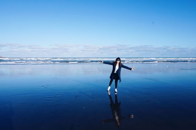 Newzealand Auckland Muriwaibeach Beach Mirroring Happy Blue