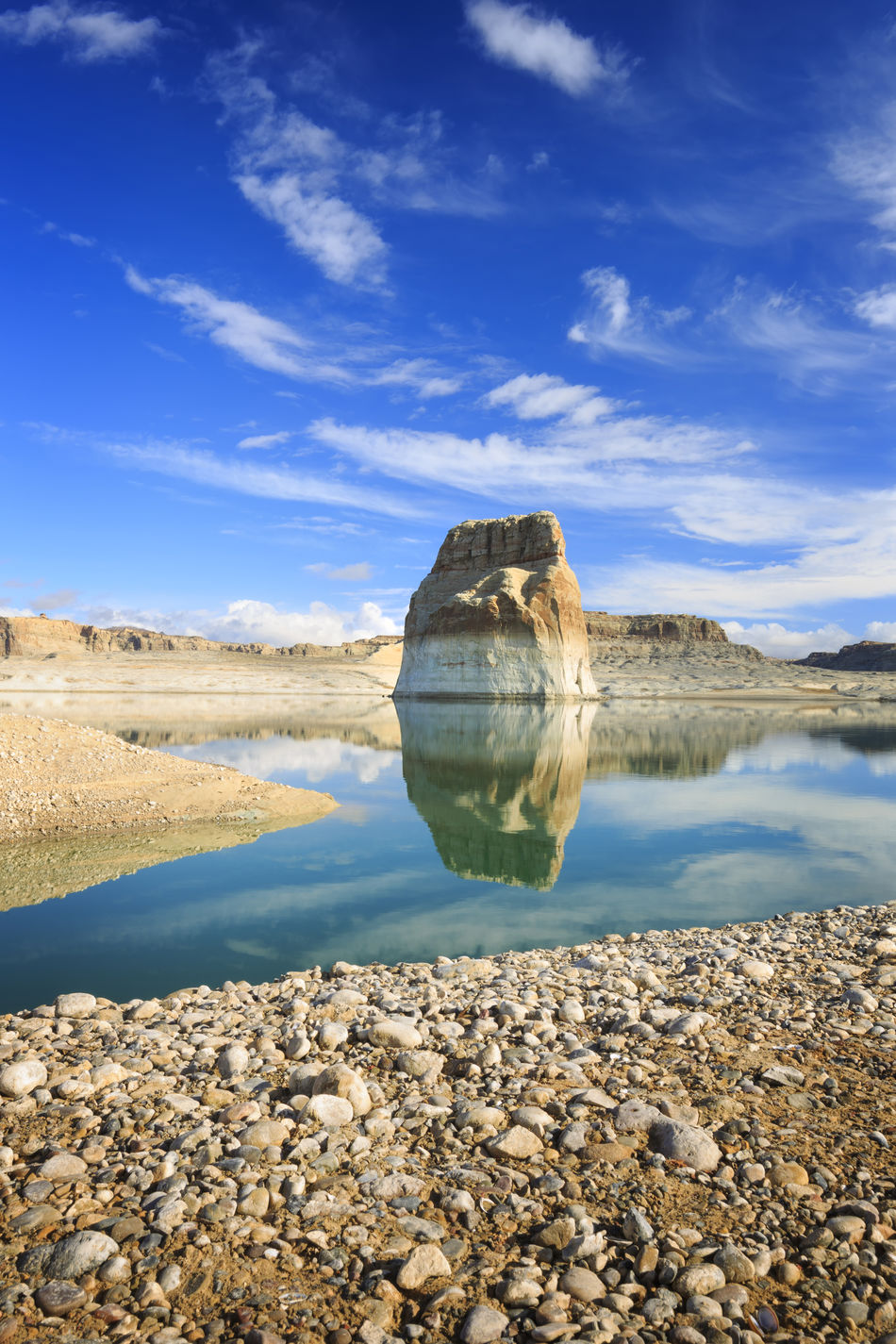 Lone Rock Lake Powell Glen Canyon Lake Water Water Reflections America Fine Art Landscapes Landscapes With WhiteWall I Hope My Pictures Touch Your Hart Canon Canon 5d Mark Lll EyeEm Best Shots EyeEm Nature Lover Nature Reflections In The Water Reflections The KIOMI Collection Blue Wave