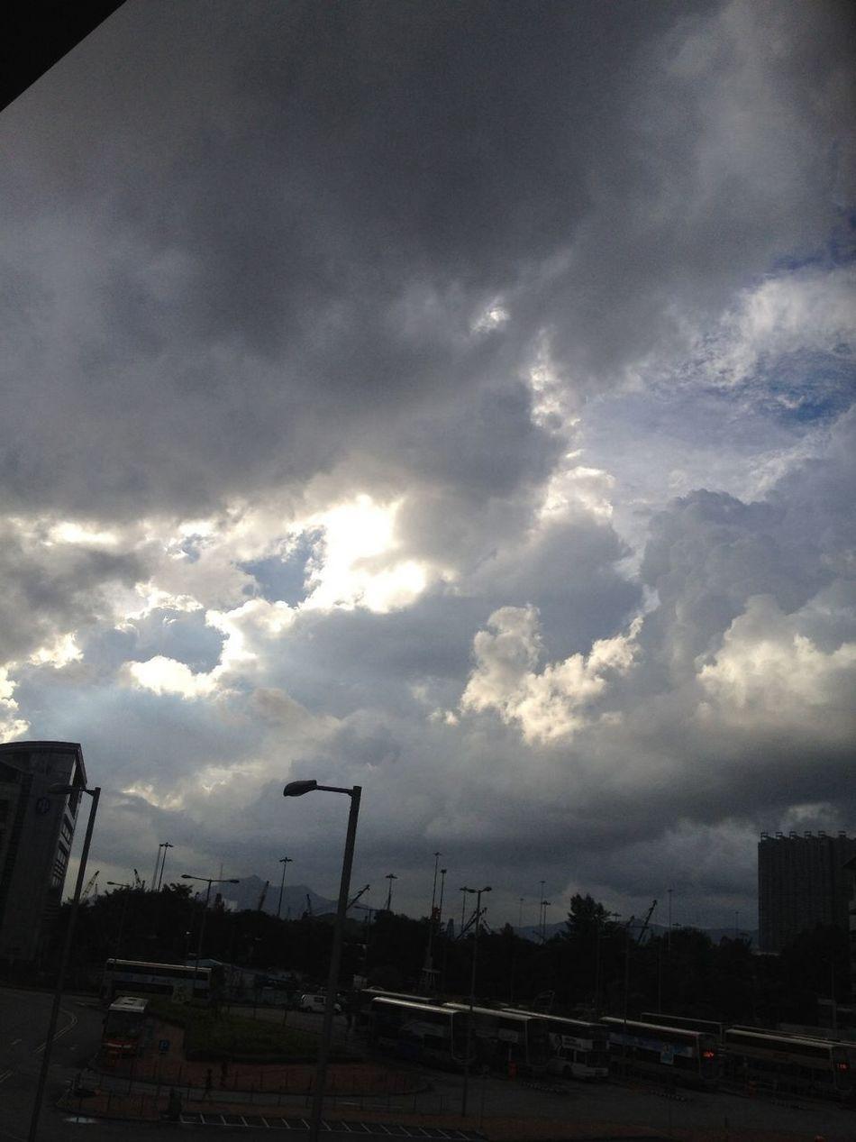 烏雲密佈 天空