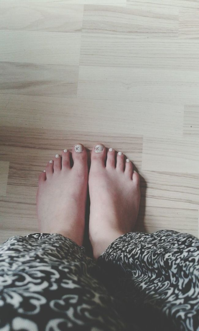 Hi! Legs Nails White Color Stars Pedicures  FolowMe ✌ Folowforfollow Lithuania Panevėžys :*