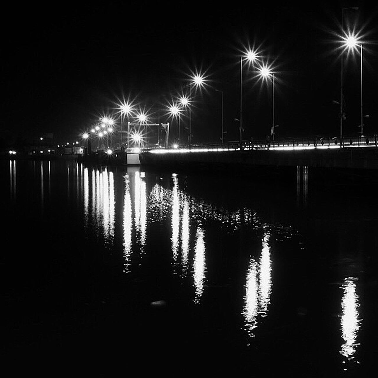 Panasonic  Gm5 Micro_four_third Mft Basrah Iraq Monochrome Bridge River Shatt_al_arab Night Lights