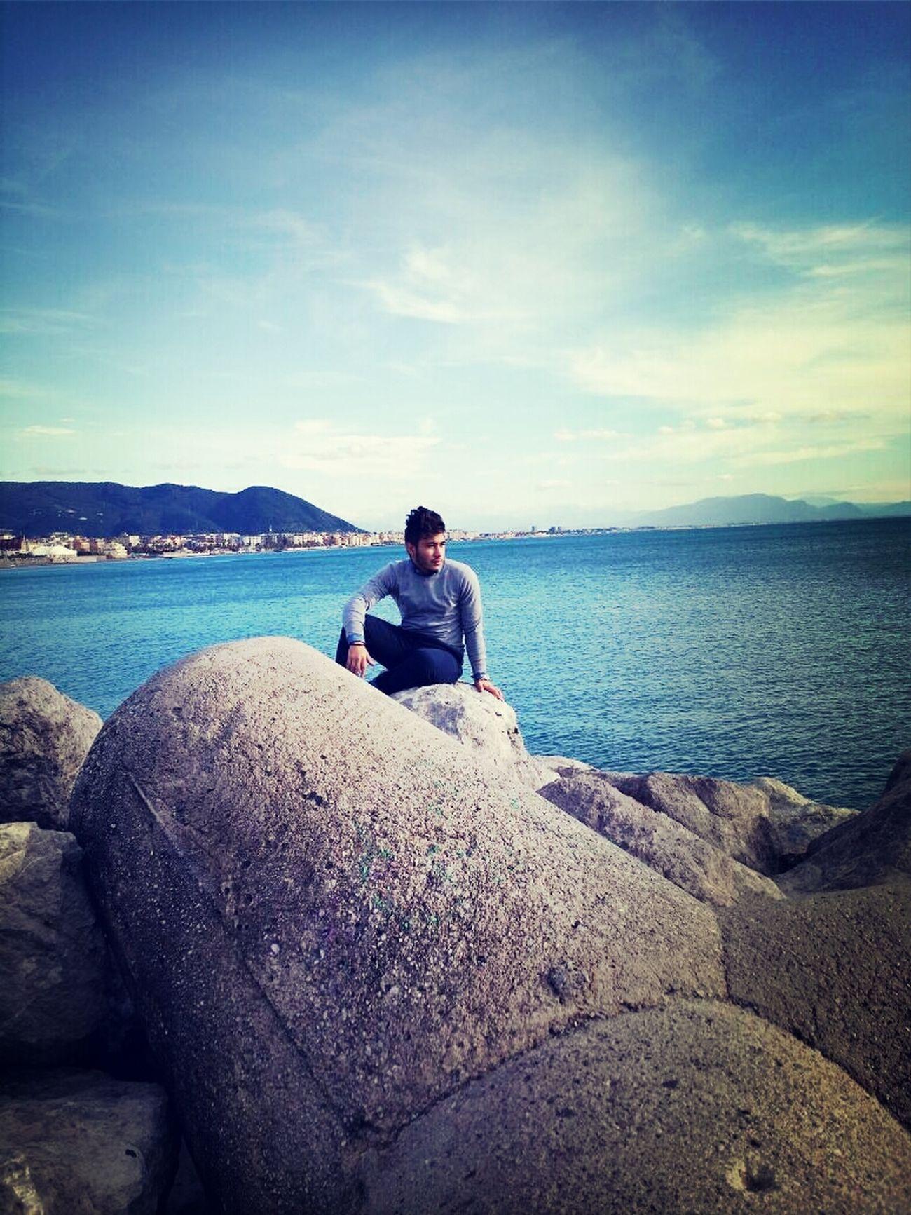 guarda oltre il mare prima o poi vedrai la terra ferma Salerno♡ Pensando A Te.