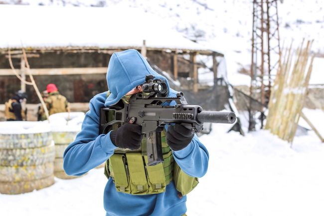 Airsoft Snow Airsoft Gear Airsoft Player Airsoftsports Mask Weapon Portrait Photography People Photography Picoftheday Photooftheday White