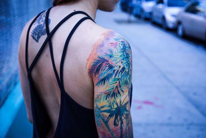 Backside Tattoo Sleevetattoo Close-up Multi Colored Streetphotography Strapback Warm Day Person Backside Portrait Saturatedcolors Bokeh Bareskin