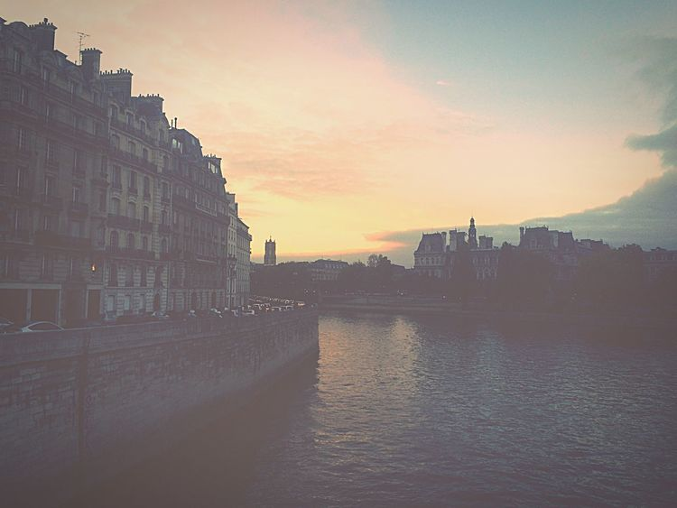 35mm Film Photography Artphotography Paris ❤ Paris, France  Paris Autumn Colors Perspectives