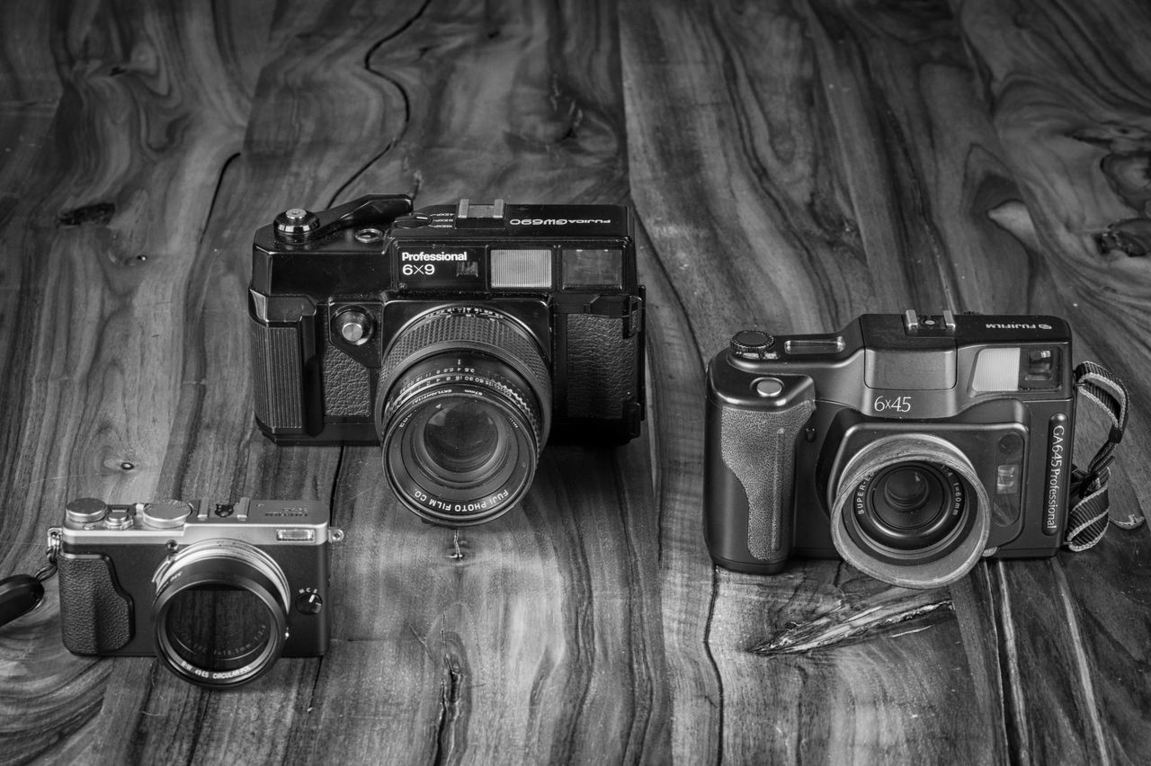 Fuji love Analog Antique B&w Blackandwhite Camera - Photographic Equipment Fuji Fujica Fujifilm G.a.s. Ga645 Gw690 Indoors  Monochrome Old-fashioned Photographer Photographic Equipment Photography Themes Product Photography Table Technology X70