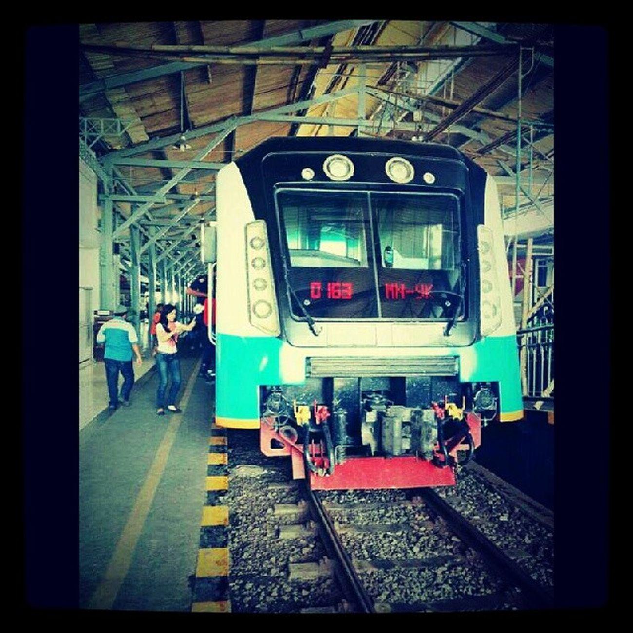 Manja (madiun jaya) di Solo siap berangkat YK. Solobalapan Railfans Daop6 Inka indonesia