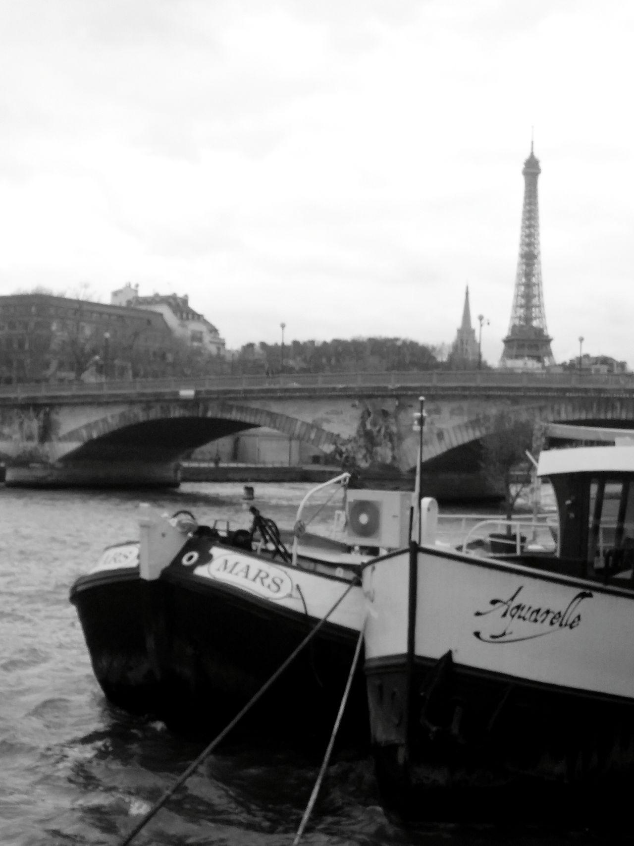 Eiffel Tower Travel Destinations LGG3 Monochromatic LGg3photography EyeEm Best Shots Paris. Water France🇫🇷