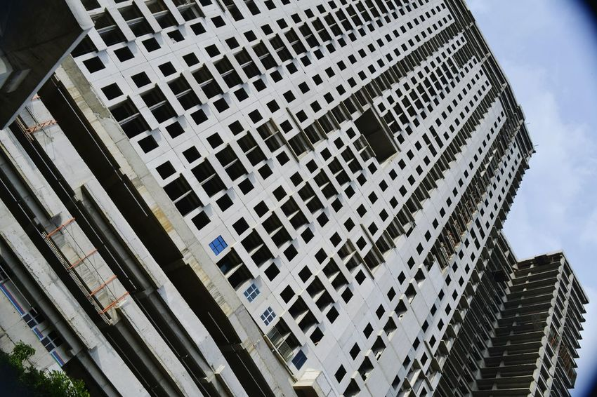 Apartemen Architecture Built Structure Low Angle View Building Exterior Skyscraper Modern Sky Day Travel Destinations Outdoors City Tree No People