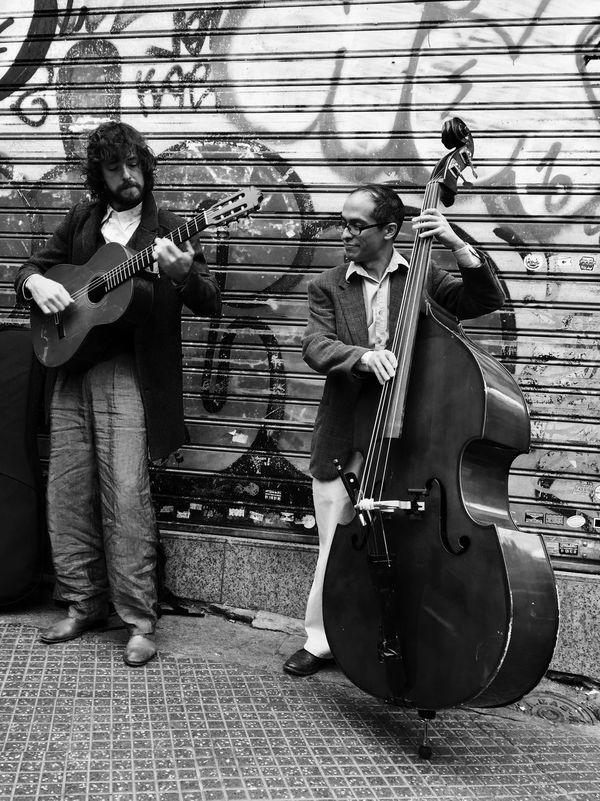 Blanck And White Madrid Spain Madrid Photo Street Photography Music Live Music Shades Of Grey Iphonephotography IPhoneography