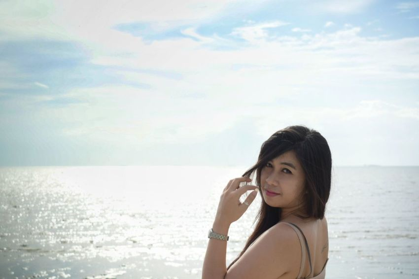 Portait Sea Beach Adult One Person Only Women Cloud - Sky Horizon Over Water Vacations Water Adults Only One Woman Only Sky People Wireless Technology Leisure Activity Young Adult One Young Woman Only Outdoors Using Phone Portrait Beauty Beauty In Nature Beautyful Girl Beautiful Woman