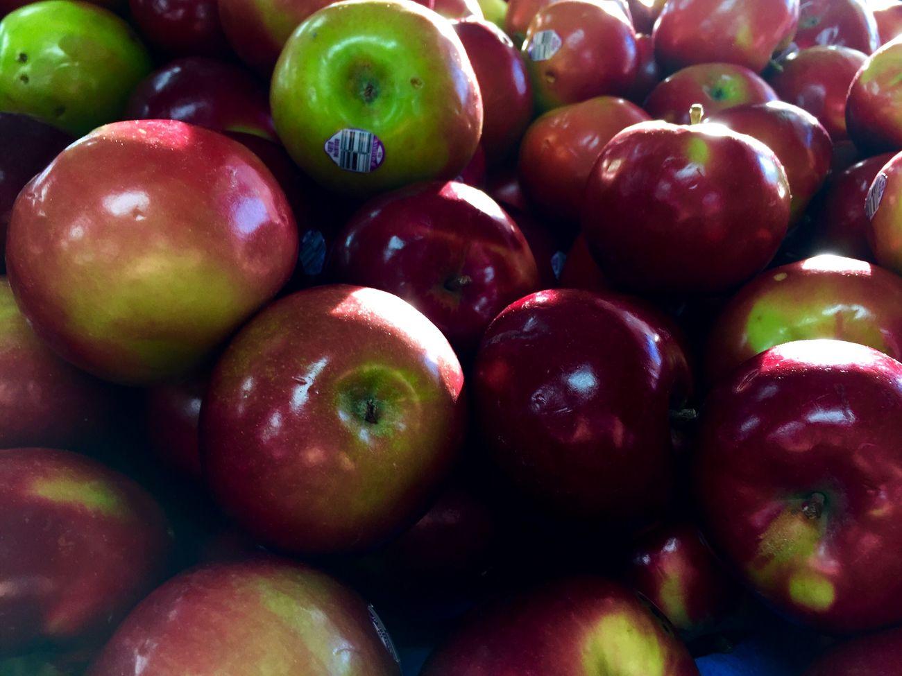 Apples (the fruit, non-tech). Fruit Fresh Produce