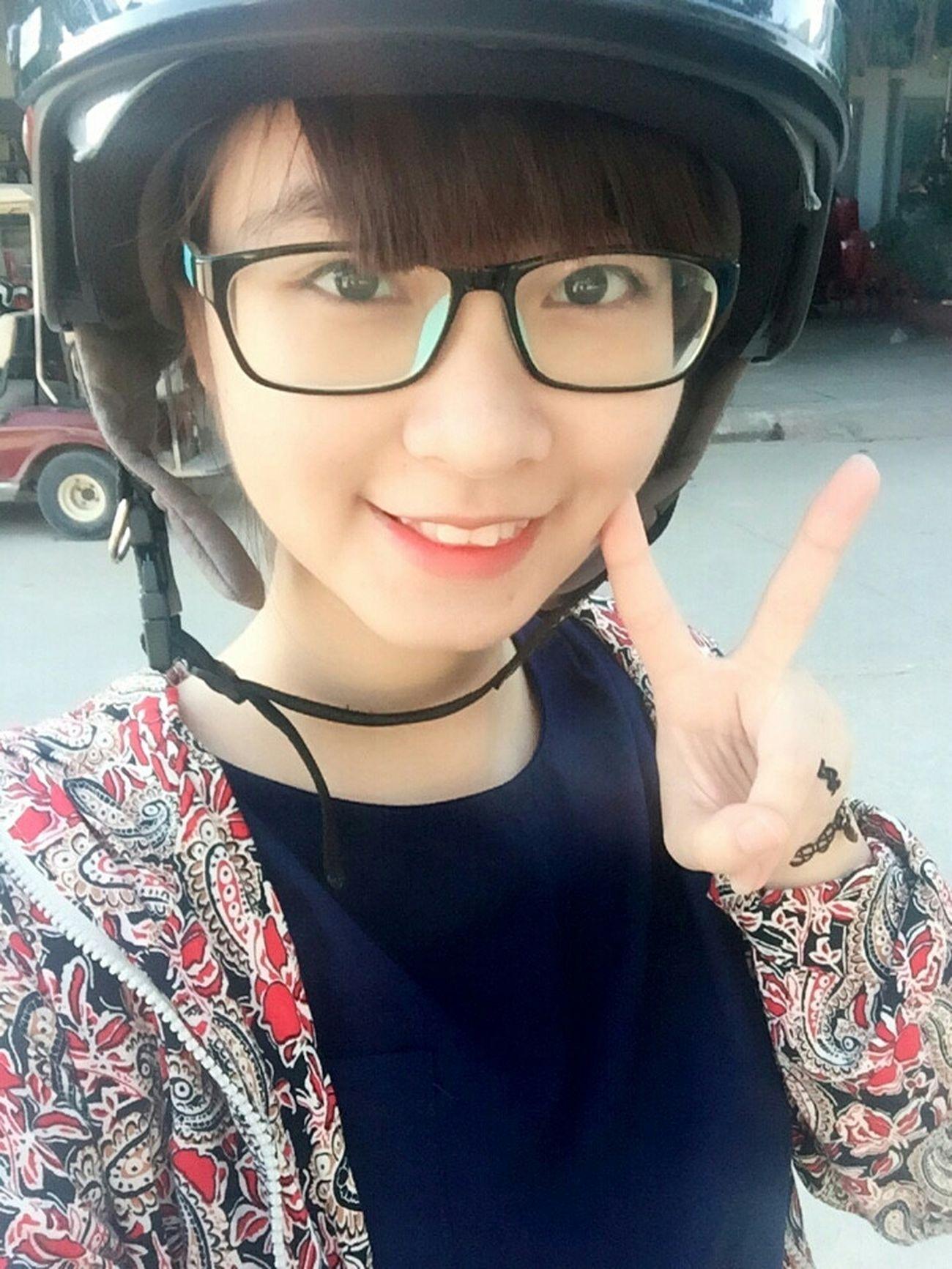 Keep Smiling I'm Asian Girl ♥ Vietnamese