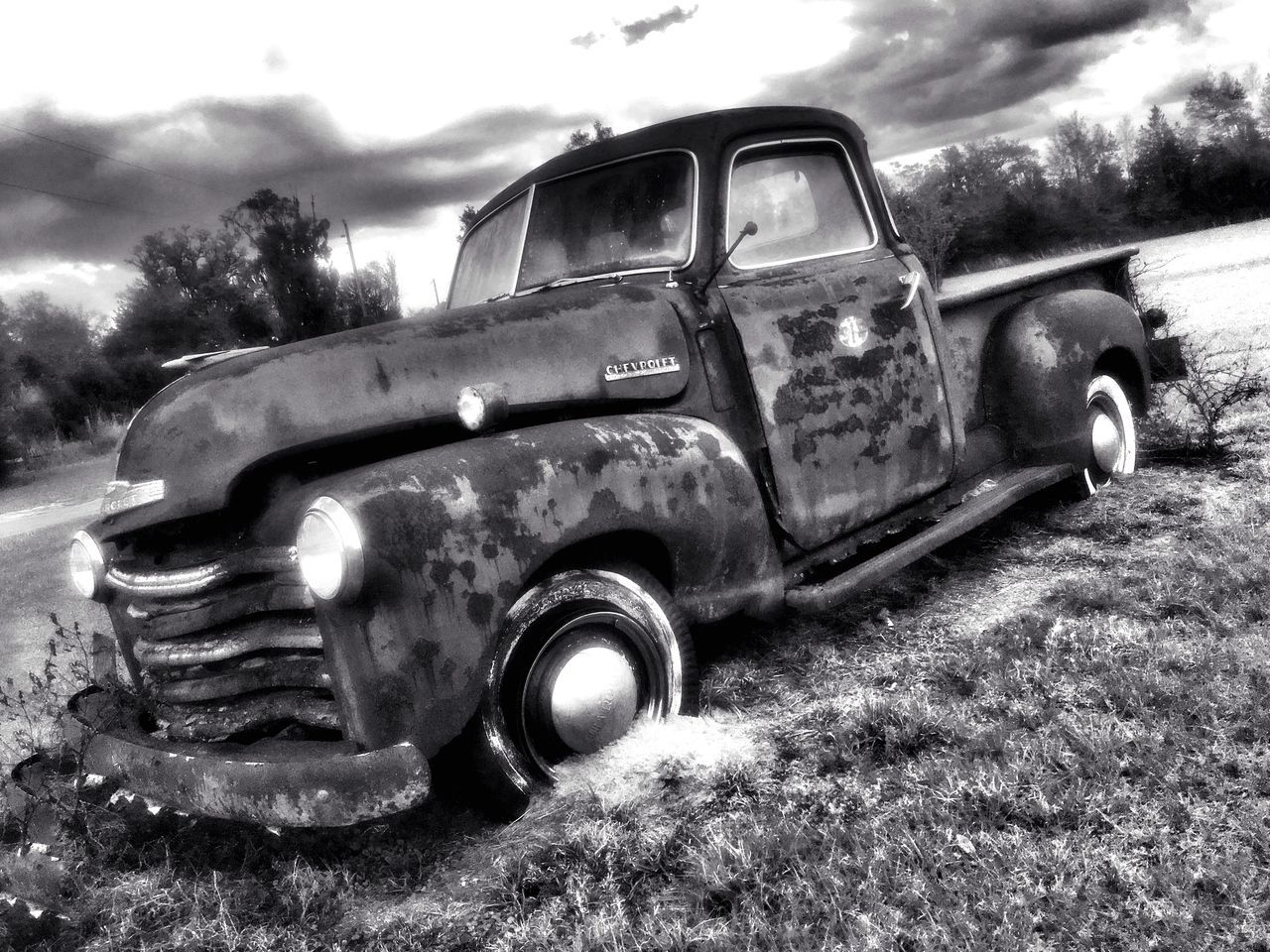 Vintage Auto in Black and White Rusty Autos Rusty Rust Never Sleeps Rust Antique Cars Old Car Old But Awesome Vintage❤ Car Vintage Cars Antique Car Automotive Photography Vintage Vehicles Antique Black And White Collection  Black And White Photography Black And White Vintage Oldie  Antiquecar Auto EyeEm Best Shots