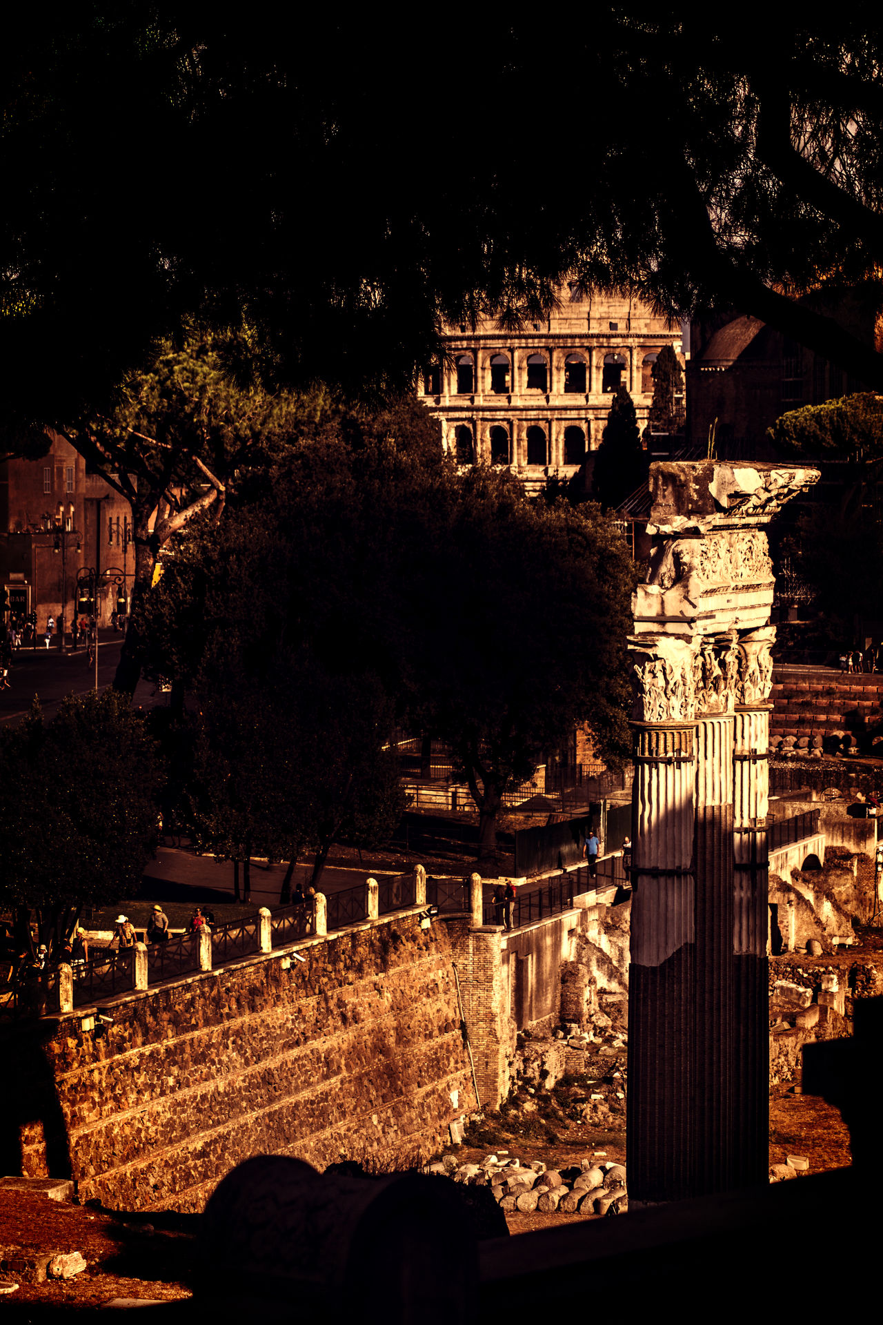 #Aeternalcity #essentials #History #Memories #ourstory #Romans #urbanlandscape #warm Colors