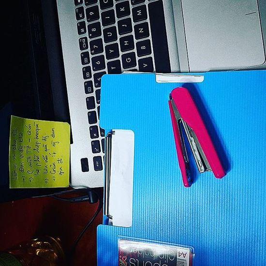 Tên bức ảnh: Căng thẳng 😣 Working Hard Stressful