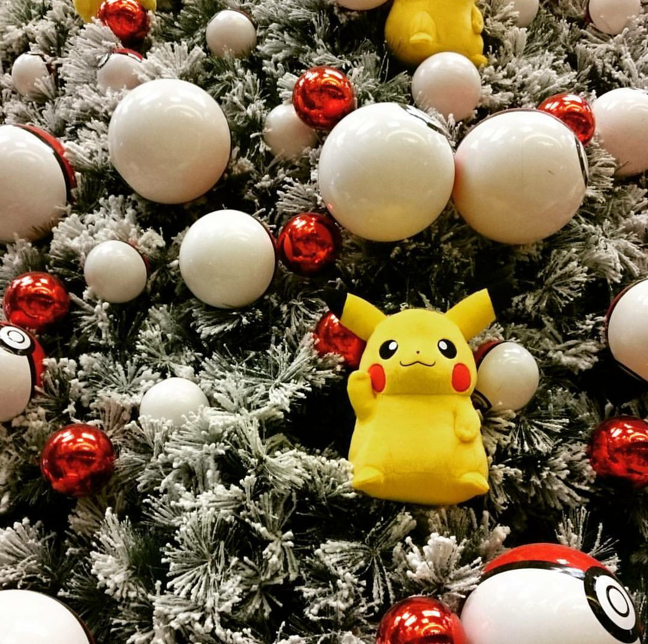 Red Celebration Balloon No People Tree Close-up Astrology Sign Outdoors Day Pikachu Christmas Decoration Christmastree 🎄 Indoorsphotography Variation Indoors  Christmas Tree Christmas Airport