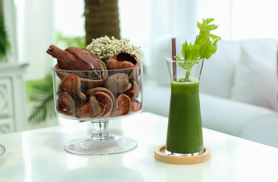 Cakestand Close-up Day Drinking Glass Food And Drink Green Green Juice Green Smoothie Green Water Healthy Healthy Eating Healthy Food Healthy Lifestyle Indoors  No People Organic Organic Food Table