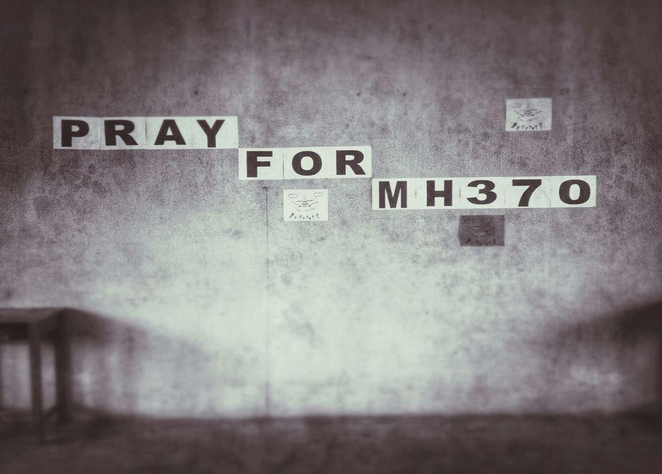 Pray4mh370