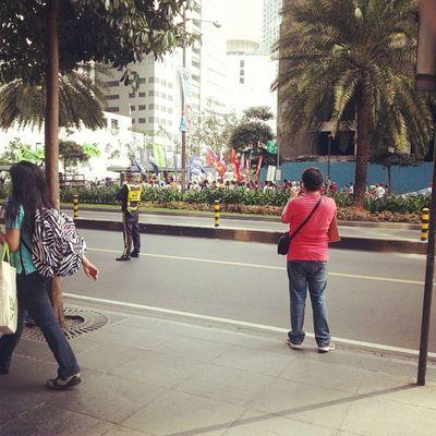 Rally talaga yan! Ayan dahilan ng pag lakad ko ng malayo kanina at ang sakit ng ulo ko ngayon -.- :'( Porkbarrel