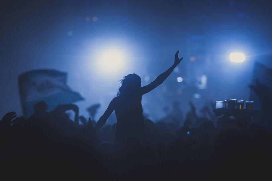 Beautiful stock photos of musik, Argentina, Córdoba, Nightclub, arms Raised