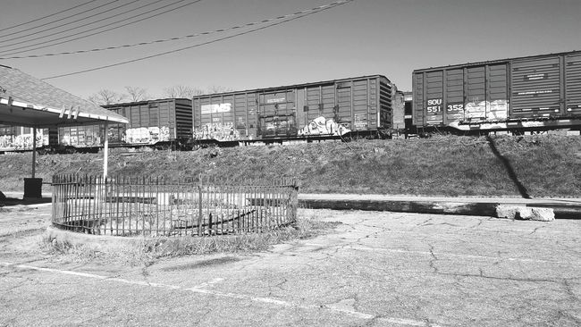 Streetphotography Samsung Galaxy S6 Edge Black And White Walking Around Abandoned Places Train