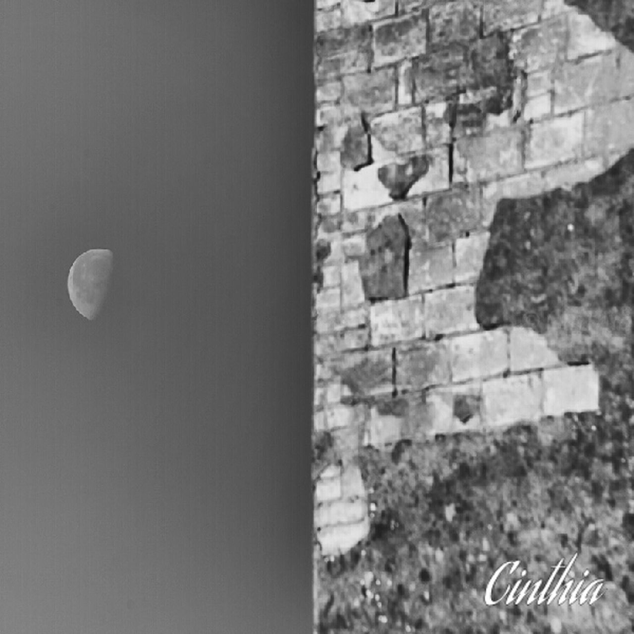 The moon & the Wall Blackandwhite Moon Taking Photos Monochrome Italianeography Eye4photography  Hanging Out
