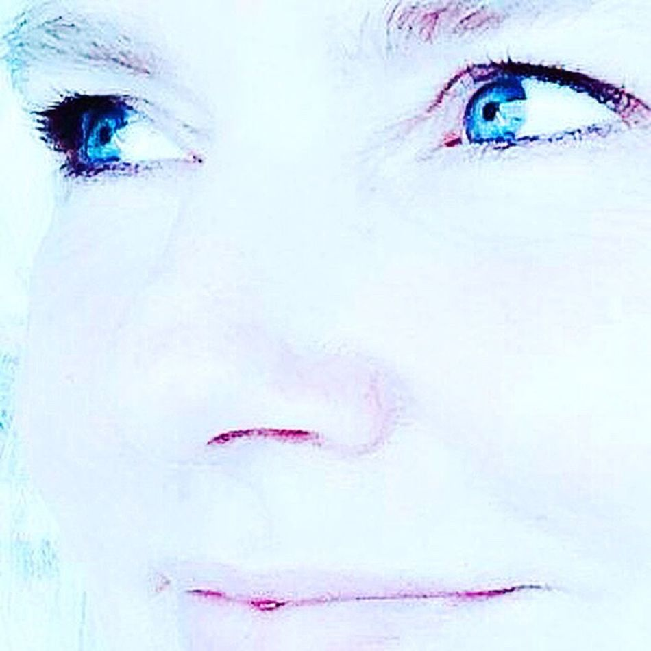 Blue Textured  Adult Close-up Adults Only People Day Eyes Blue Eyes Blau Lächeln Freude