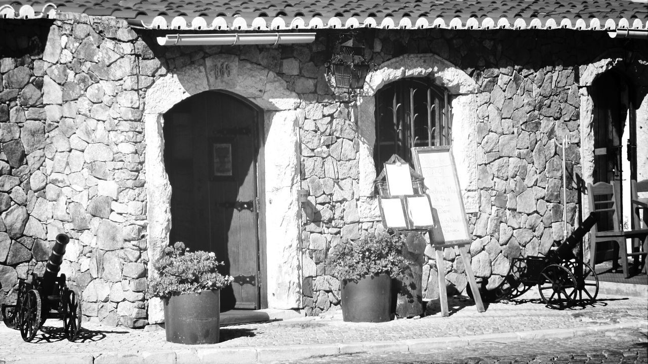 This is a nice place to eat.. Eyeem Monochrome Monochrome _ Collection My Monochrome World Monocrhome