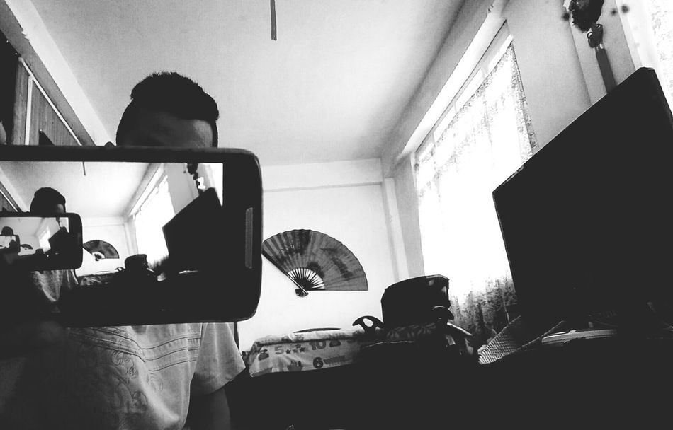 First Eyeem Photo Black Grey & White Room With A View Person Personal Perspective Phone Screen ♥