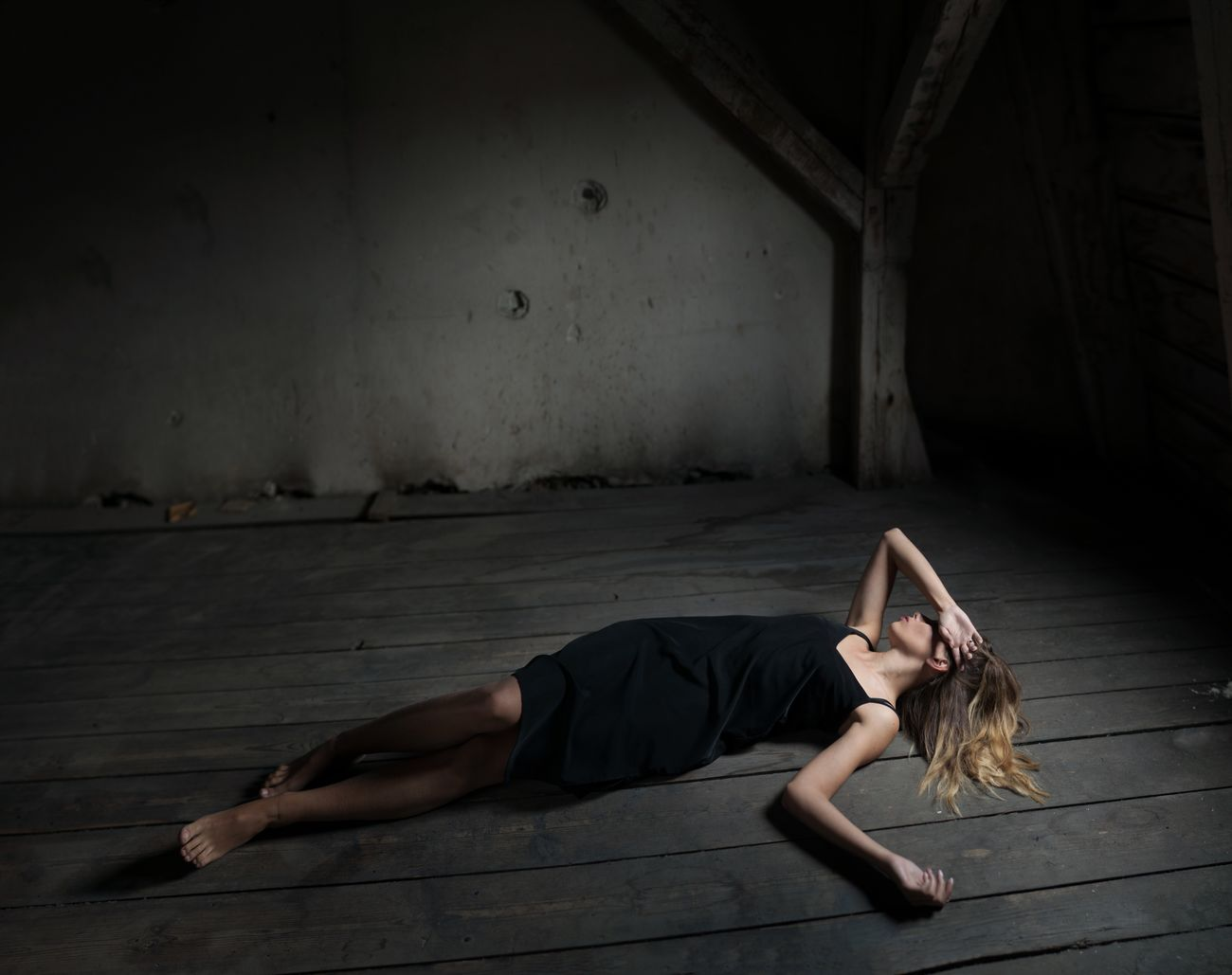 Young Adult One Person Full Length Beauty Young Women Beautiful Woman Wooden Old Buildings Mood Lying Down Light Darkness And Light Dirty Day Dreaming Fashion Emotive Emotions Dark Editorial  Roof Crazy Girl Beauty Redefined Beatrice Mysterious Girl