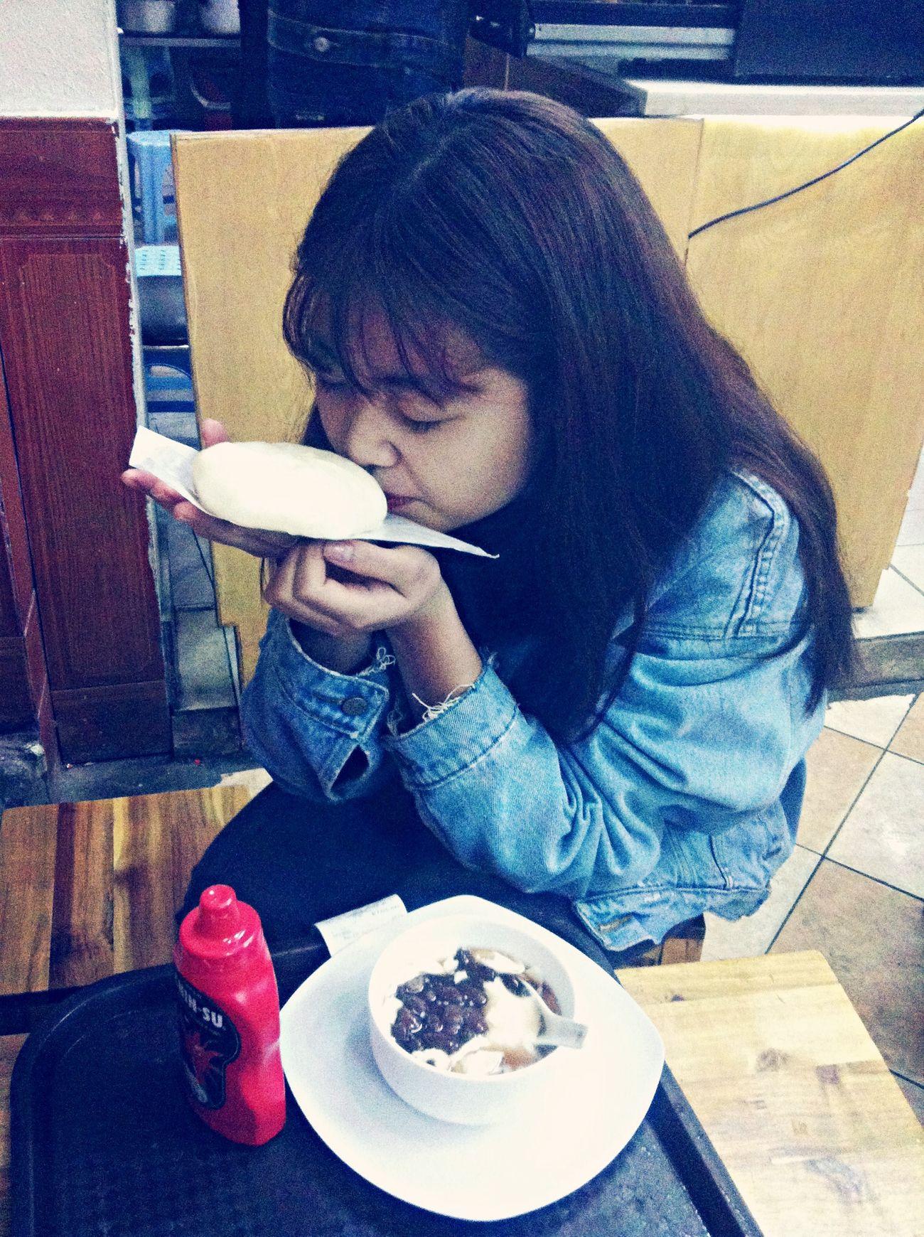 Yummy Yummy Smellsgood Eating Hungry ( y)