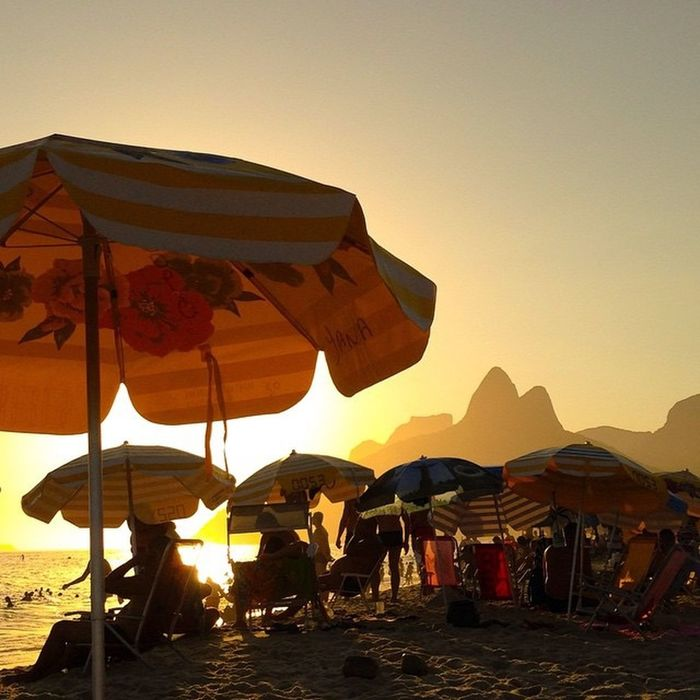 Seeing The Sights Riodejaneiro Ipanema Sunset Morrodoisirmãos Summertime Brazil