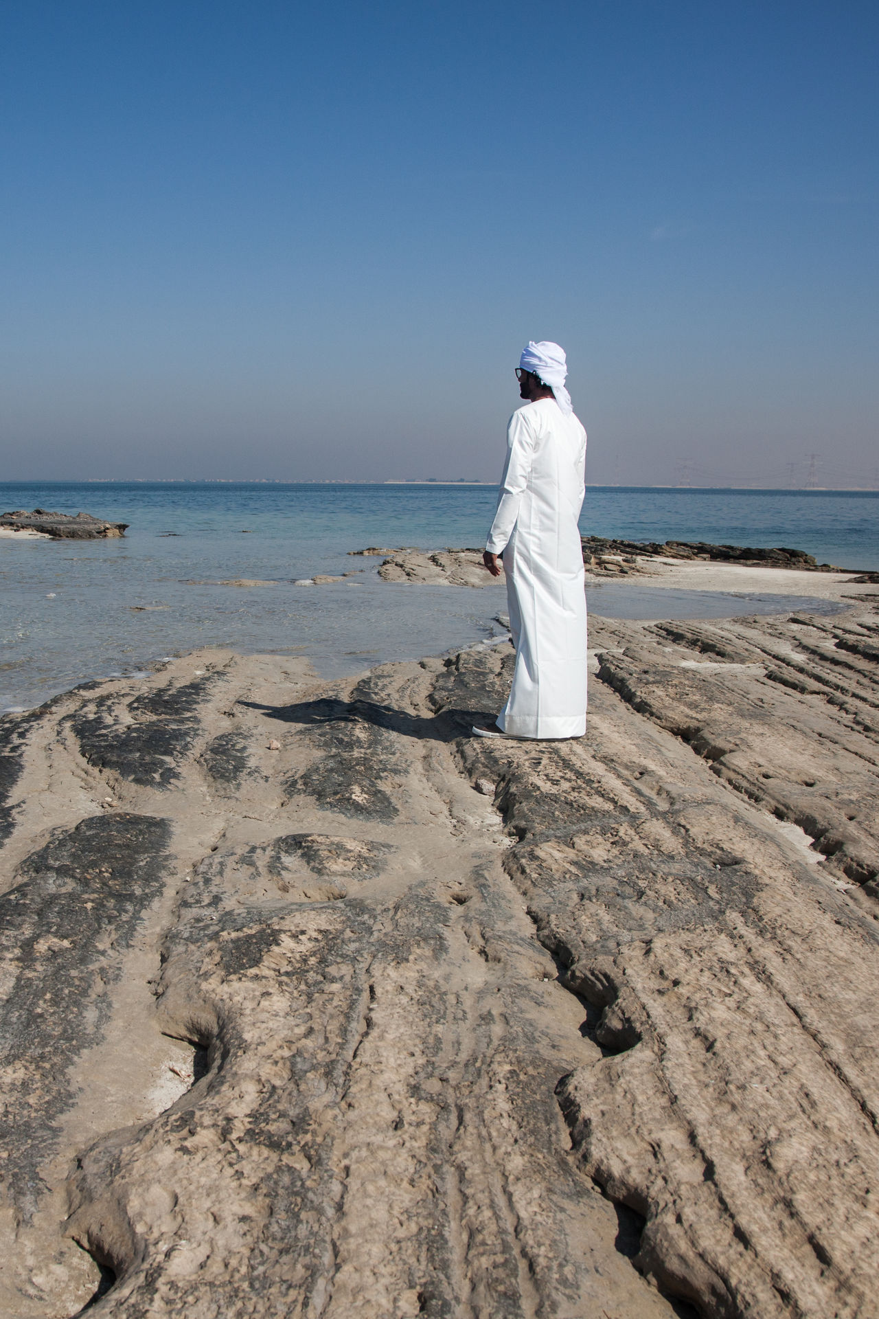 Adult Adults Only Arab Man Beach Clear Sky Day Emirati Emirati Man Full Length Horizon Over Water Nature One Person Only Women Outdoors People Sea Sky Uae,abudhabi Water