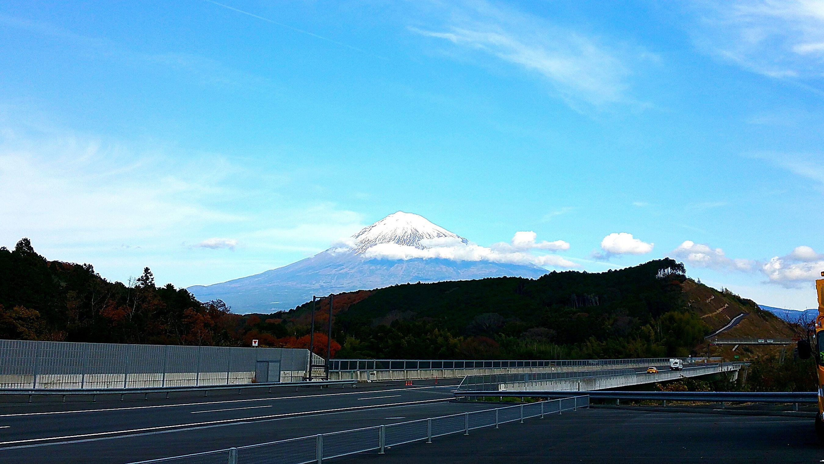 新東名下り線 明星山トンネル入り口から見た富士山です。 富士山 Mt.Fuji Hello World Winter お仕事 得した気分 冬景色