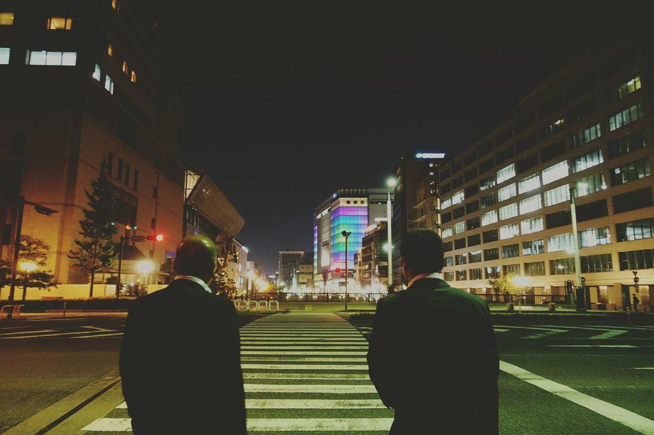 Japan Photos Salaryman Outofwork Fresh Scent Silhouette City Life Light And Shadow Ultimate Japan Streetphotography Nightphotography Streamzoofamily