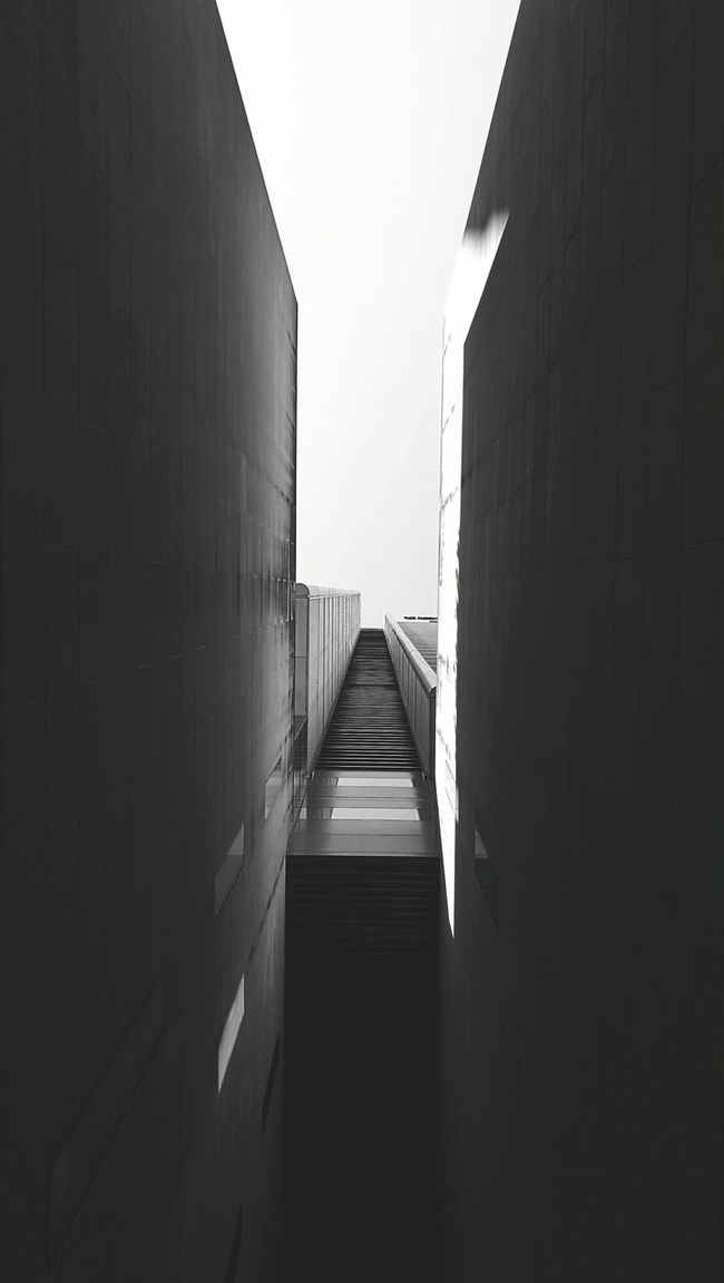 Monochrome Photography Looking Up Blackandwhite Architecture HuaweiP9