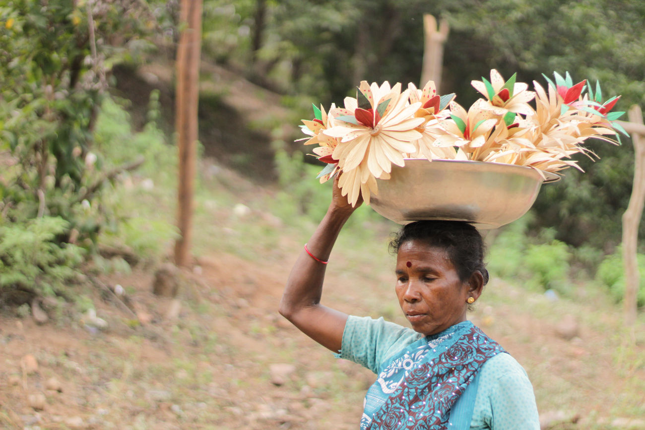 First Eyeem Photo Women Selling Woodflower India Mountains Remotearea Forest Nature Trees And Bushes