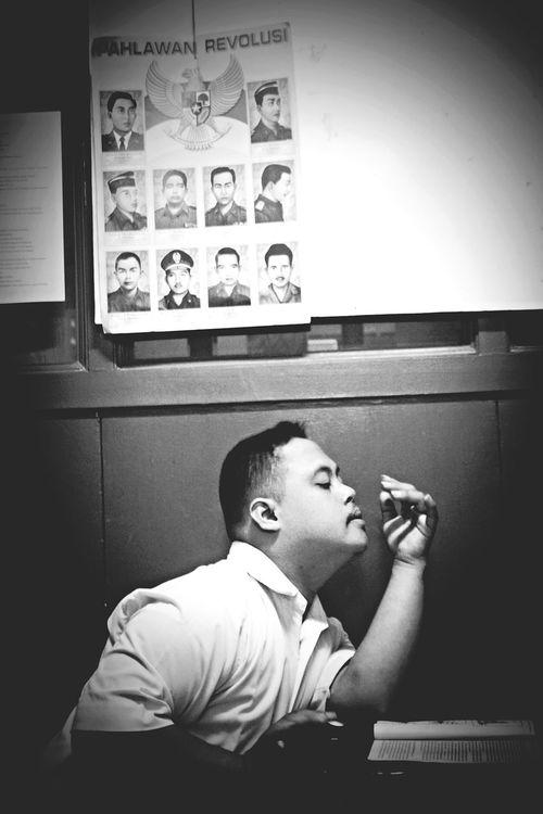 Revolusioner ? Blackandwhite School Life  Moments Iloveit Downsyndrome God Is Great. Photoislife Yogyakarta Story ilove this memories, name is Bintang in SLBN 1 Yogyakarta.
