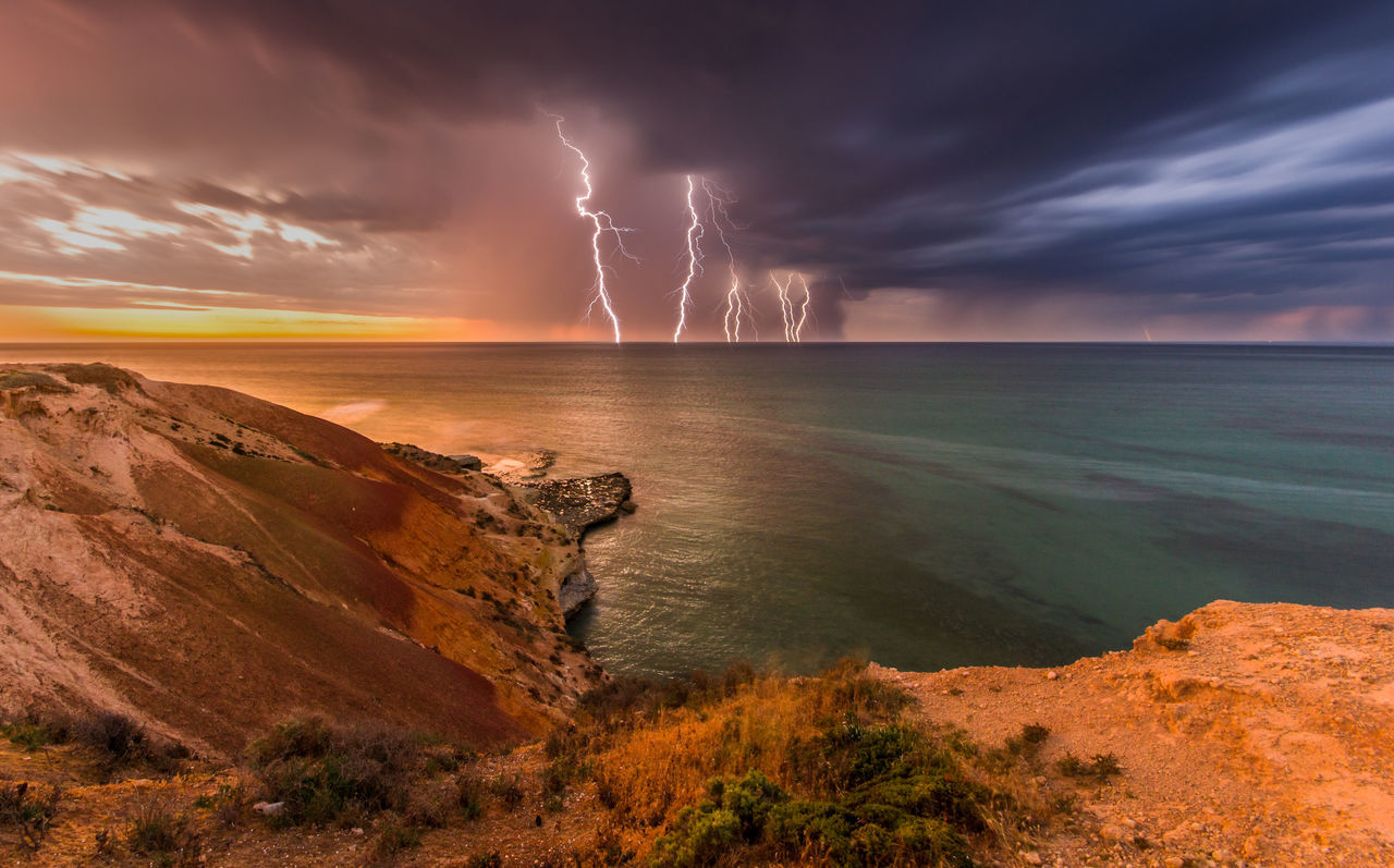 Beautiful stock photos of blitz, Beauty In Nature, Cloud - Sky, Danger, Dramatic Sky