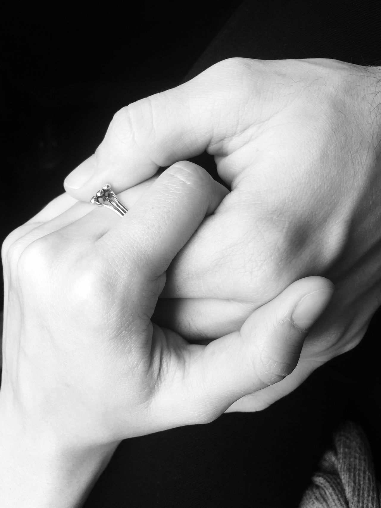 Two People Love Close-up Bonding Togetherness Real People IPhoneography Holding Hands Relationship People Blackandwhite Photography Blackandwhite Black And White