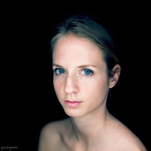 Homemade Ring Of Light series Headshot Open Edit Portrait Portrait Of A Woman Ring Of Light