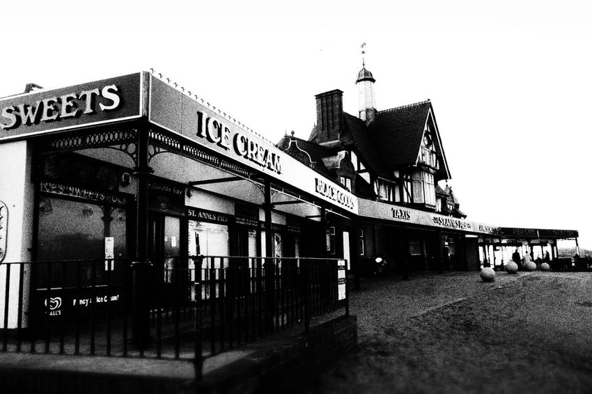 Somewhere to keep warm Stannes Lythamstannes Pier My Photos