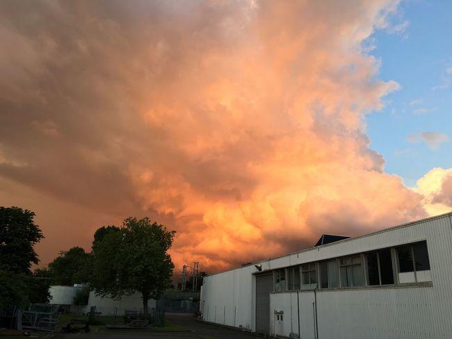 The sky is on fire 🔥🔥🔥🌞💥💥 Skyonfire