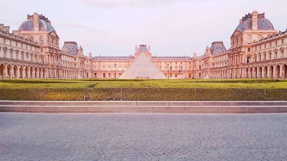 Musée du Louvre History Paris ❤ Travel Destinations Architecture