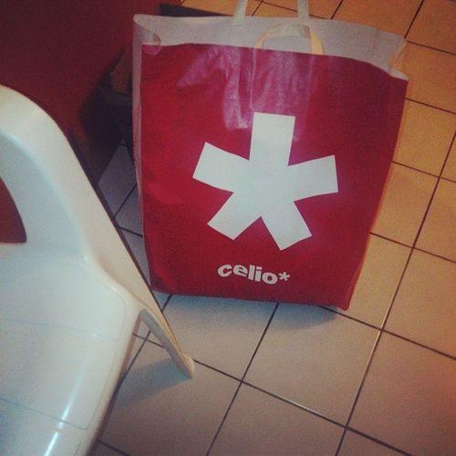 InstaTextile Celio Red White Chemises On s'est fait plaisir today avec de nombreux achats de chez Celio..