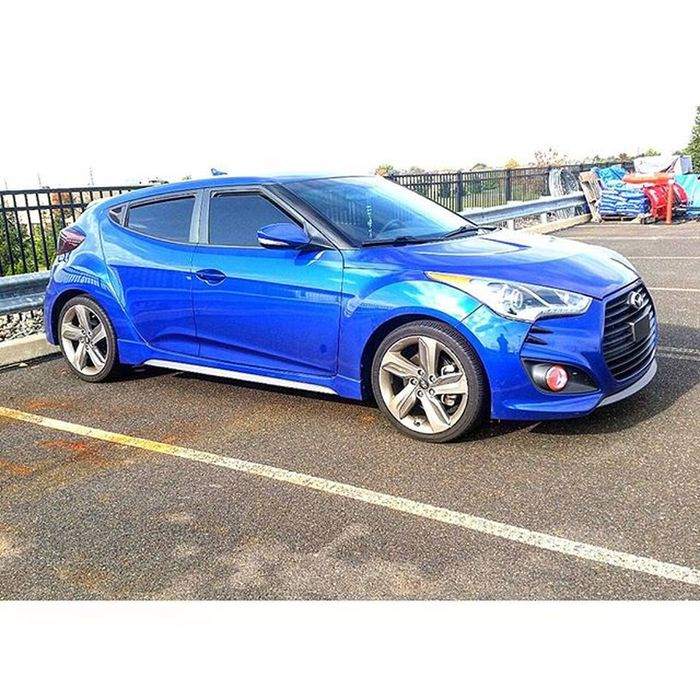 Take a good look, wont be looking like this much longer 😆😆😆😆 Hyundai Veloster Velosterturbo Kdm Boosted Dailydriven Turbo Carselfy Modernart Carporn Carart Import Tuner Pushstart Posted Hatch Hatchsociety Threedoors Kdmsociety Variantvelosters