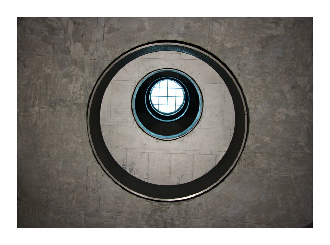 circle, geometric shape, architecture, no people, indoors, day, built structure, close-up