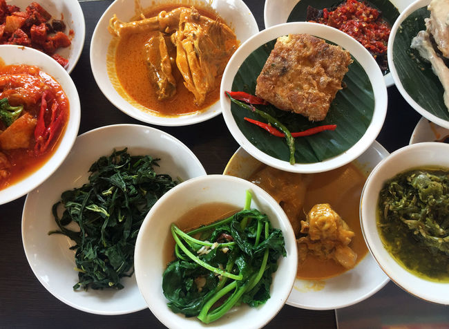 ndonesian cuisine, Padang food. Bowl Broccoli Close-up Culinary Day Food Food And Drink Freshness Healthy Eating Indonesia Cuisine Indonesia Culinary Indoors  Meal Minang Minang Food No People Padang Padang Food Plate Ready-to-eat Rendang Savory Food Spicy Traditional Food Vegetables