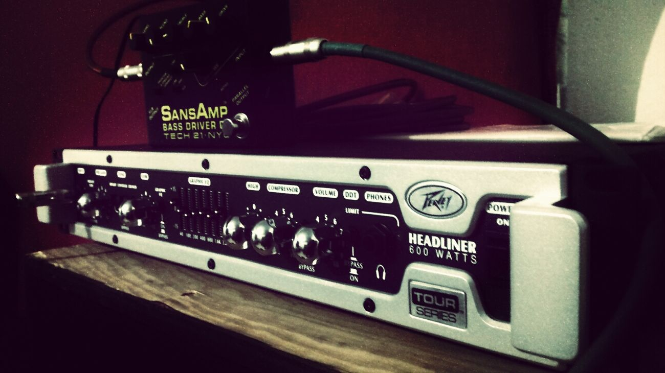 Finally! Thanks for my bass amp Peavey! Its awesome! Alfredbass Peavey Lethalcreationbassplayer Sansamp